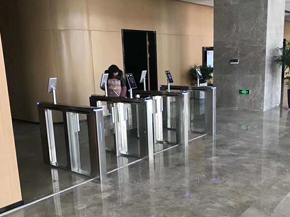 广东惠州某写字楼出入口厦案例