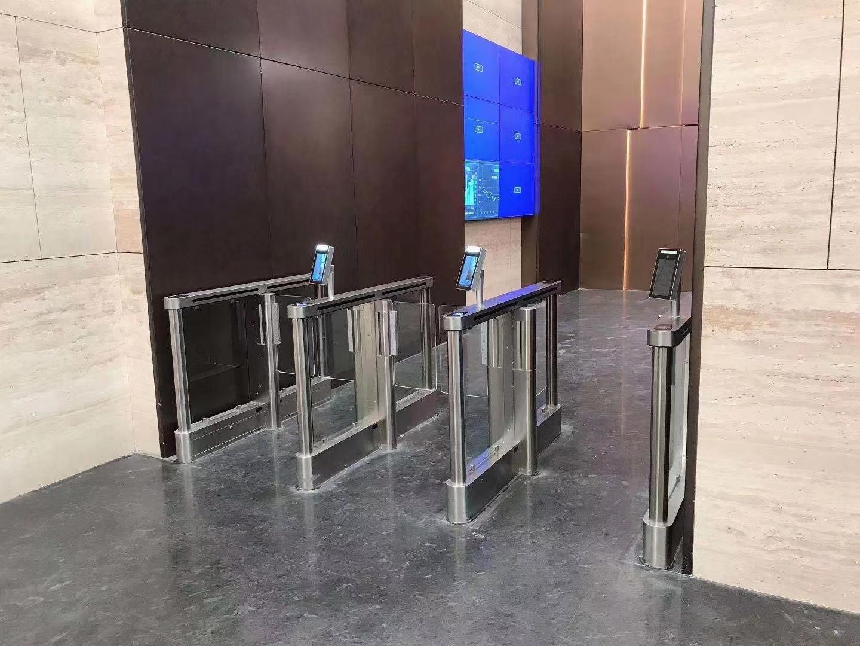 保护上海XX写字楼,创腾测温款人脸识别速通门