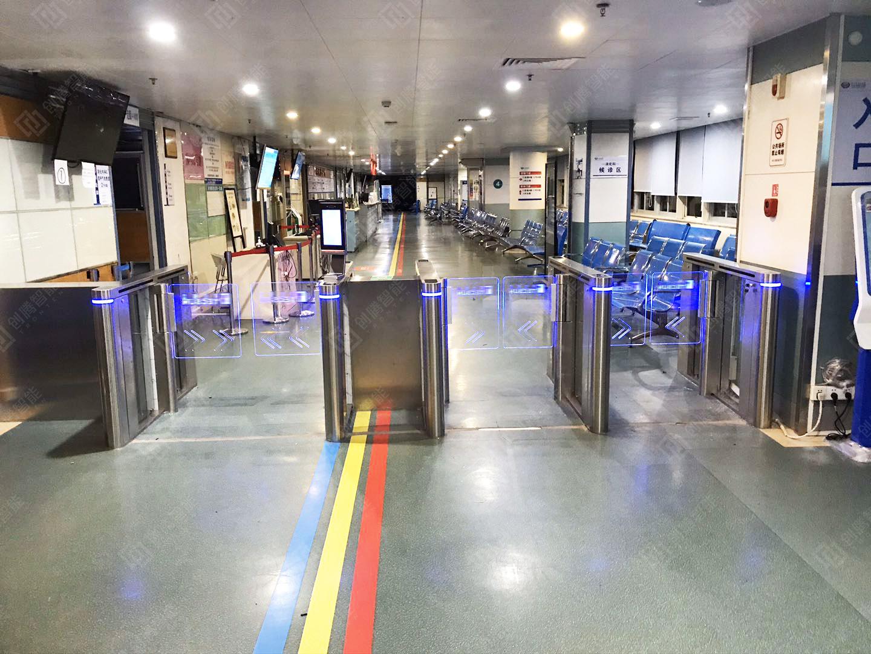 创腾智能高端速通门入驻江门市中心医院
